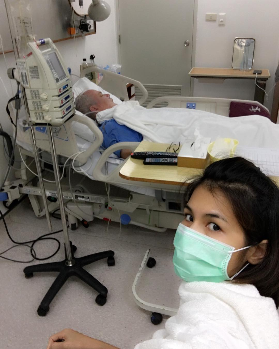 Nong Nat in hospital with Harold