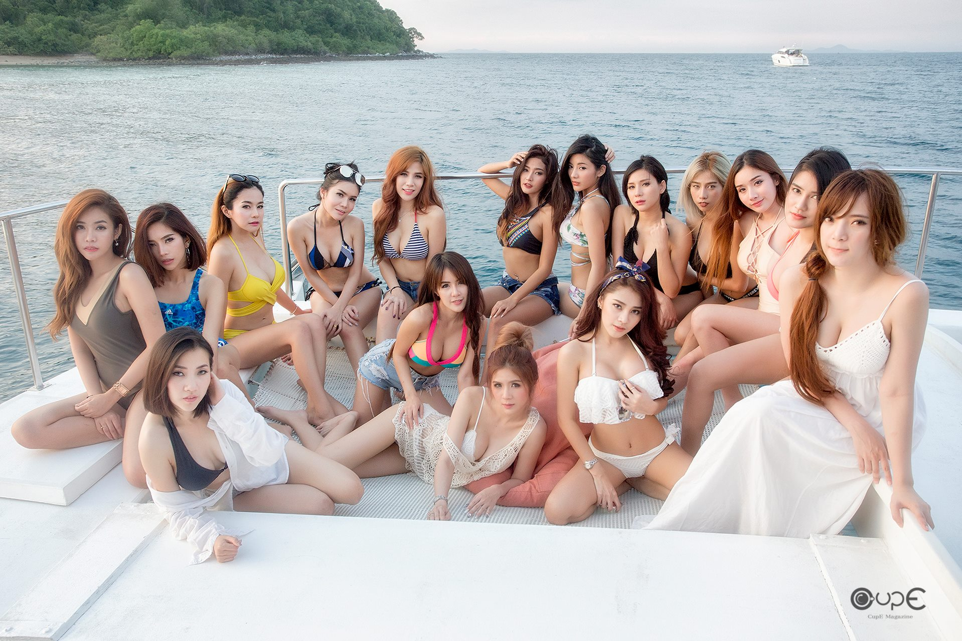 16 thai models on a boat
