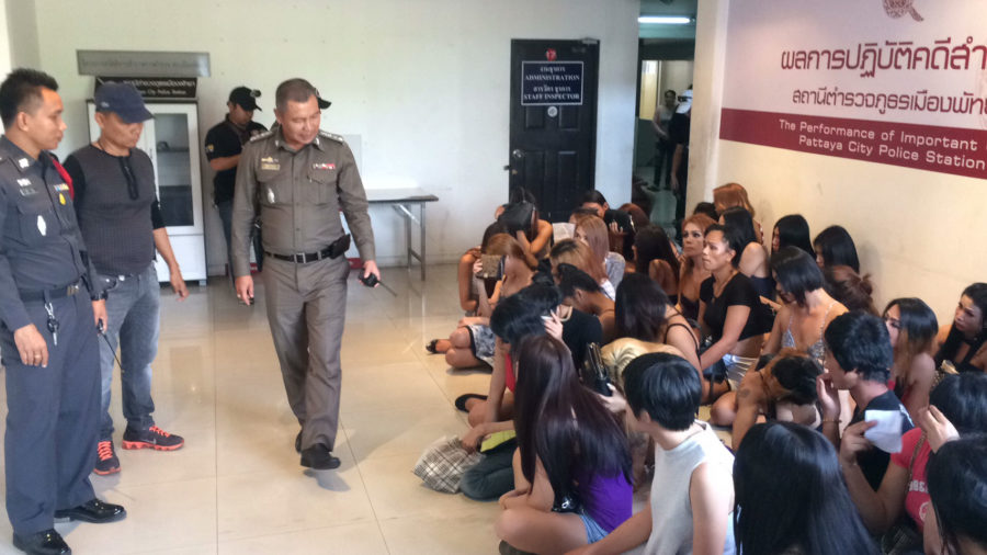 Police chiefs lecture ladyboy prostitutes rounded up in Pattaya