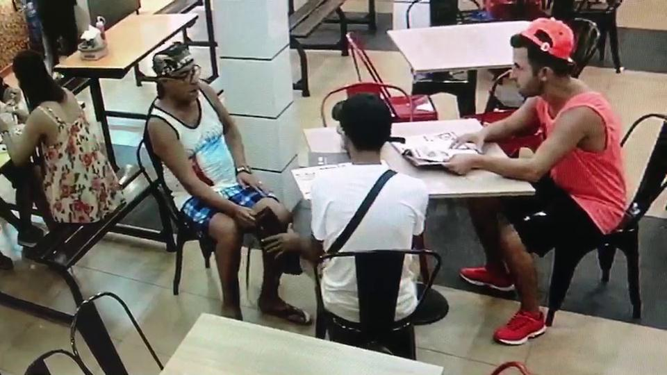 Three foreign thieves are caught on CCTV stealing a local woman's handbag in Pattaya
