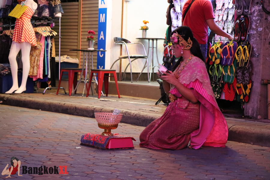 A nice dancing dolly on Walking Street in traditional Thai costume