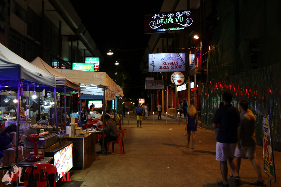 It's all deserted outside this Russian go-go bar on Walking Street