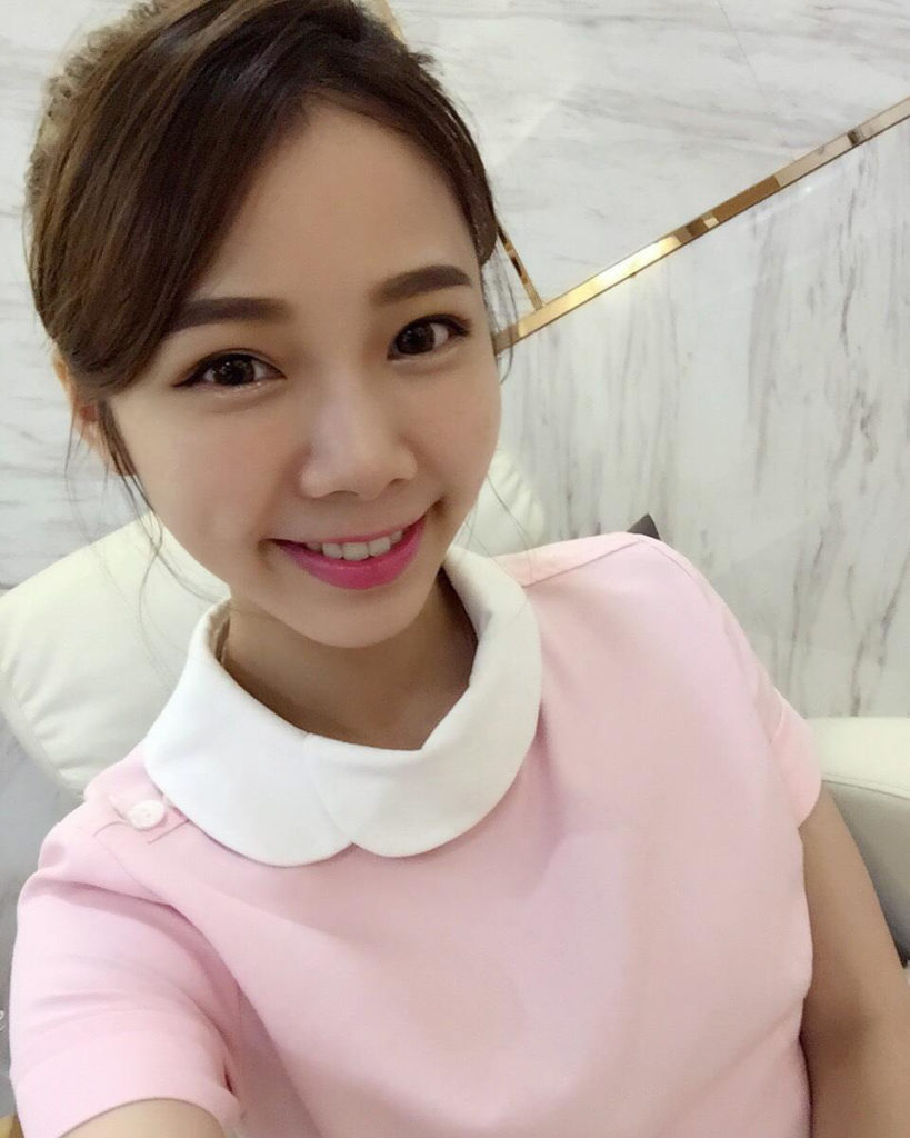 Ning Chen the world's most beautiful dental nurse in Taiwan